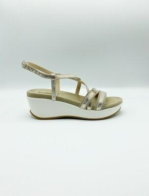 Sandalo Nero Giardini art.P805700D/415 colore platino e sabbia