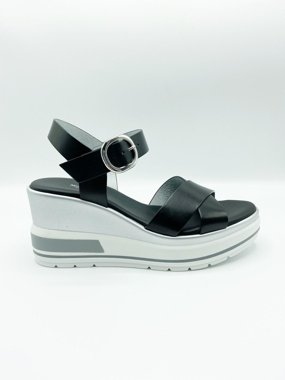 Sandalo Nero Giardini art.E115766D/100 colore nero