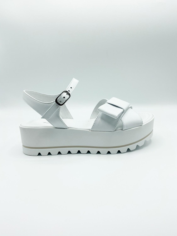 Sandalo Nero Giardini art.E115730D/707 colore bianco
