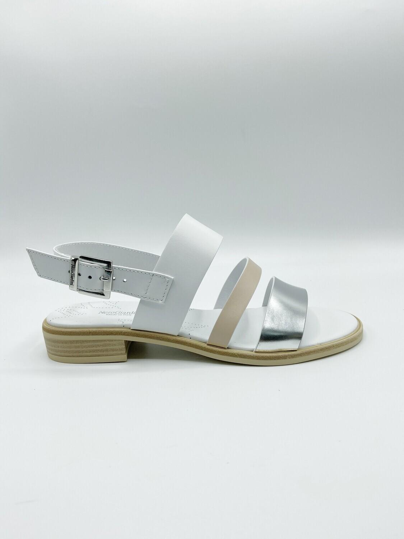 Sandalo Nero Giardini art.E115503D/700 colore bianco