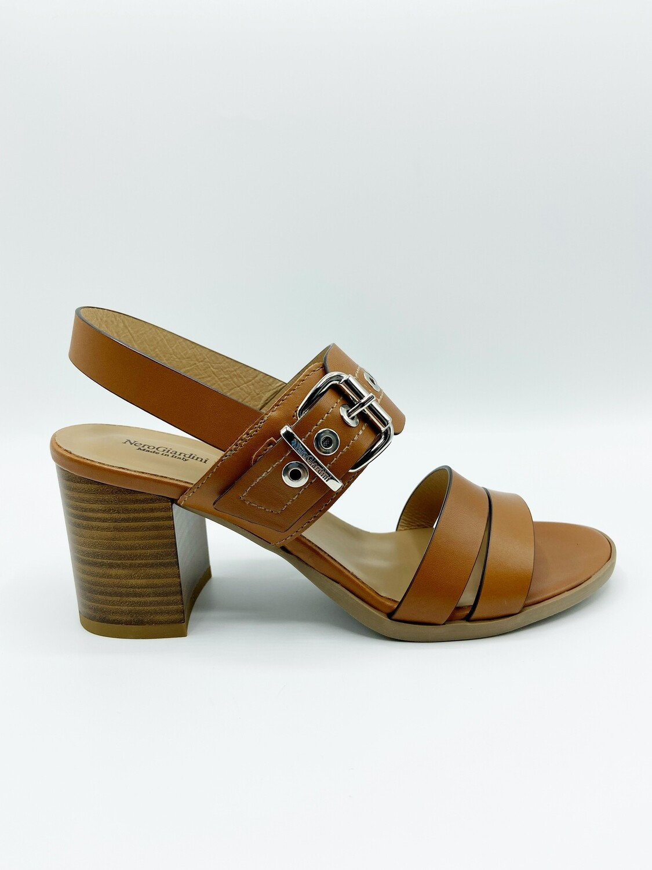 Sandalo Nero Giardini art.E115561D/329 colore cognac