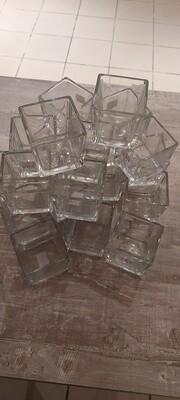 Nieuwe wit- glazen theelichthouders (20 stuks