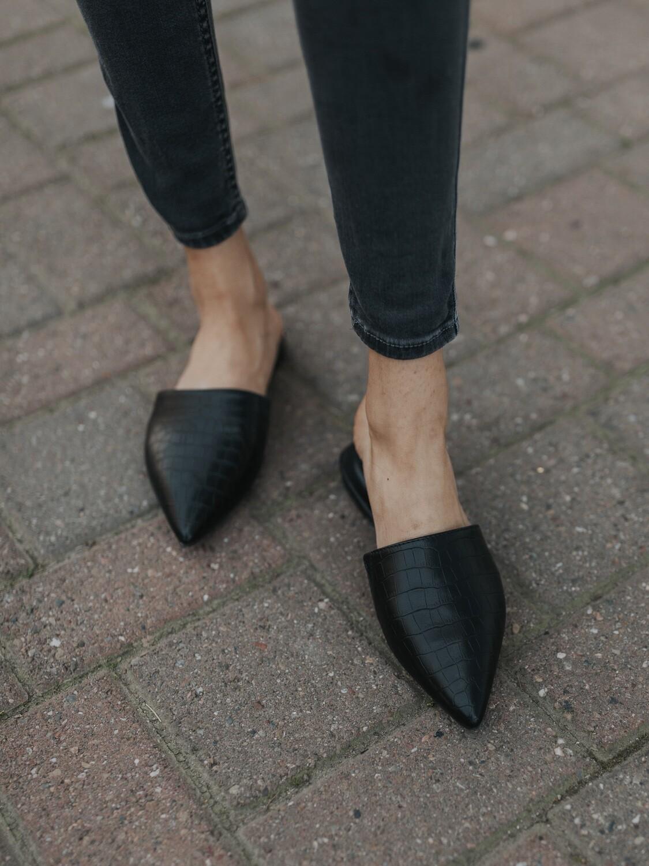 Black Croco Slides