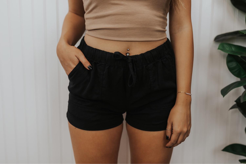 Mia Shorts - Black
