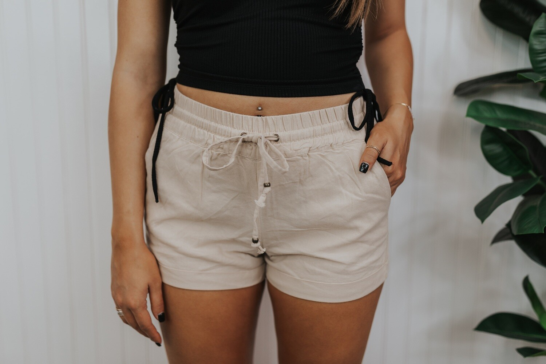Mia Shorts - Khaki