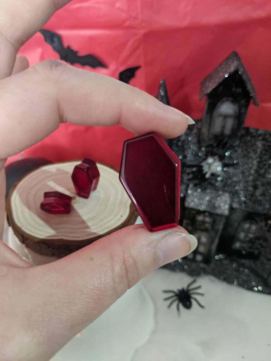 Plug Resin Coffin Blood Red 10mm-30mm (Individual)