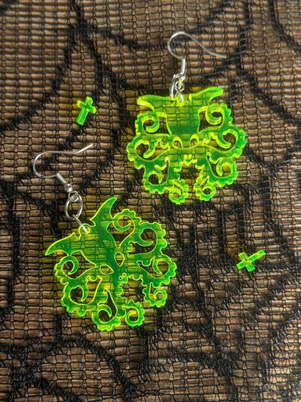 Earrings Acrylic Cthulhu Clear UV Yellow