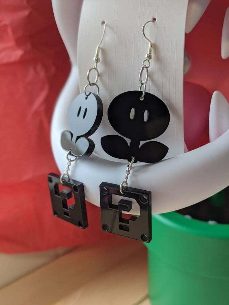 Earrings Acrylic Fire Flower & Block Black