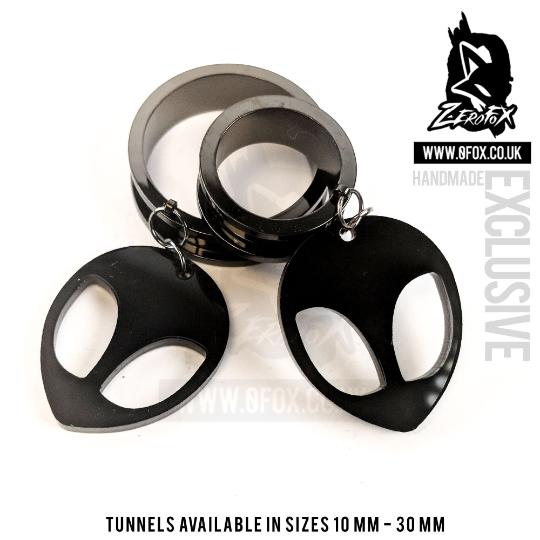 Dangle Tunnel Alien (Black) 10mm-50mm