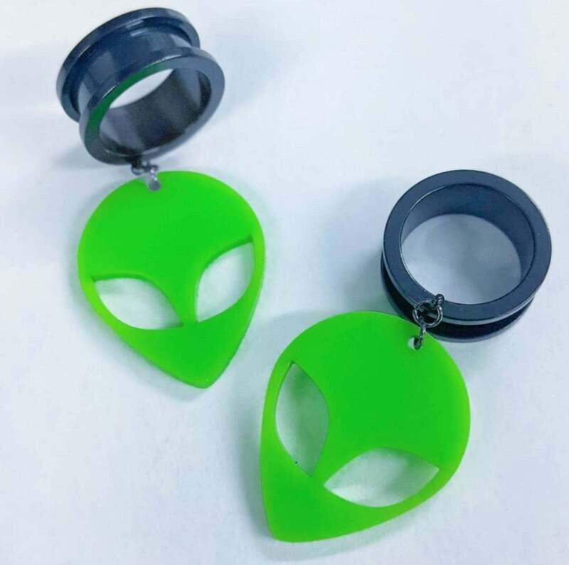 Dangle Tunnel Alien (Green) 10mm-50mm