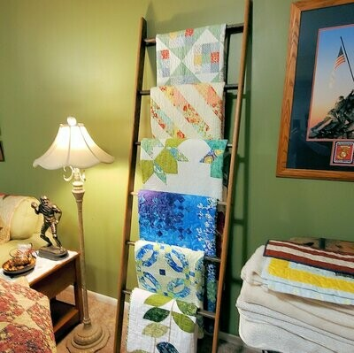 Straight Customizable Quilt Ladder