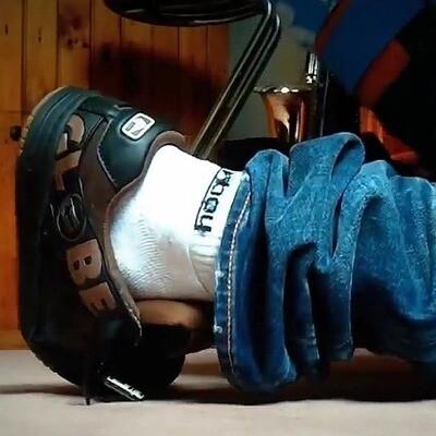 Skat3er   Skate shoes and Sagging make me cum !