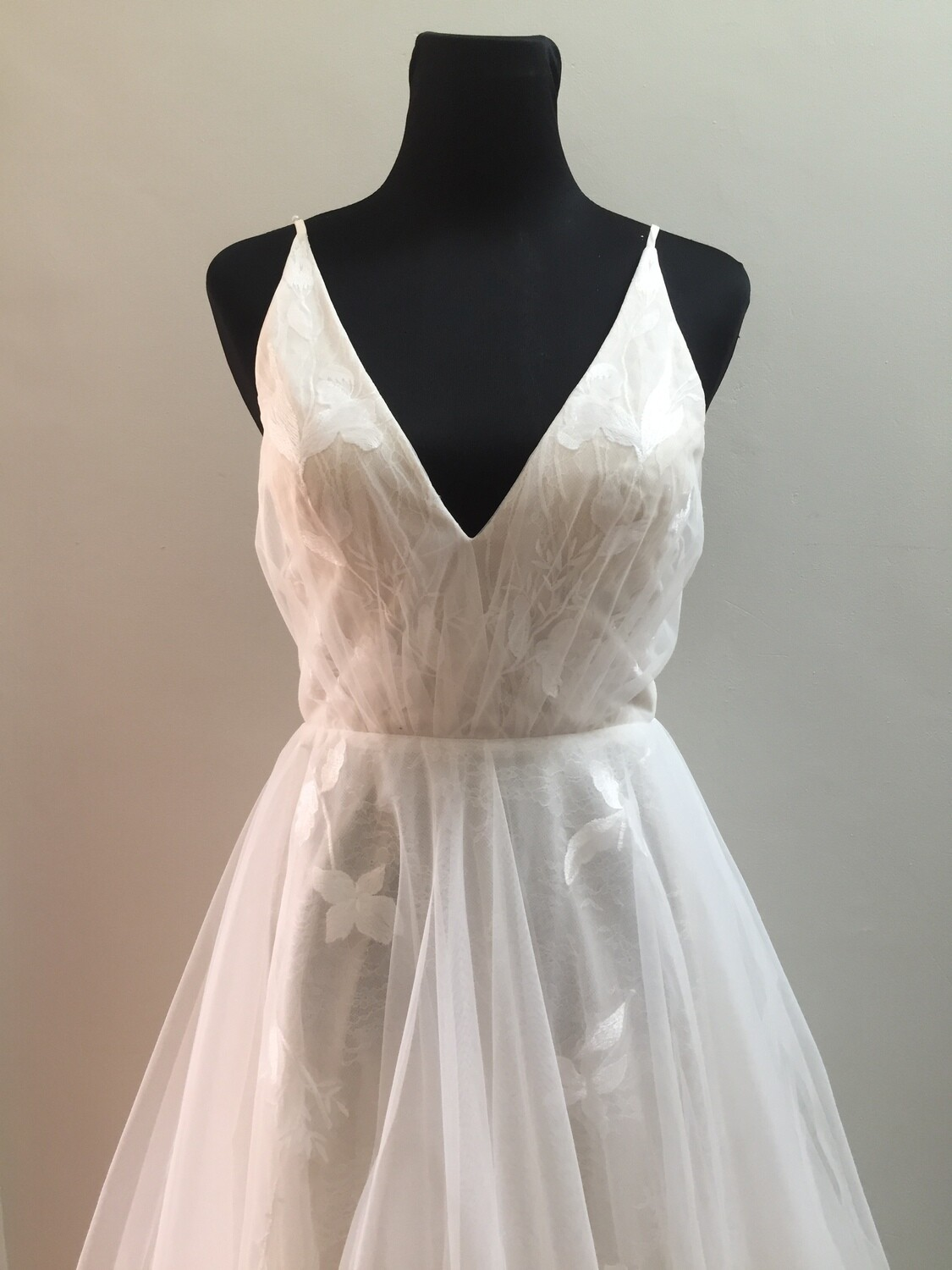 SAMPLE SALE - Delphine wedding gown - size 10