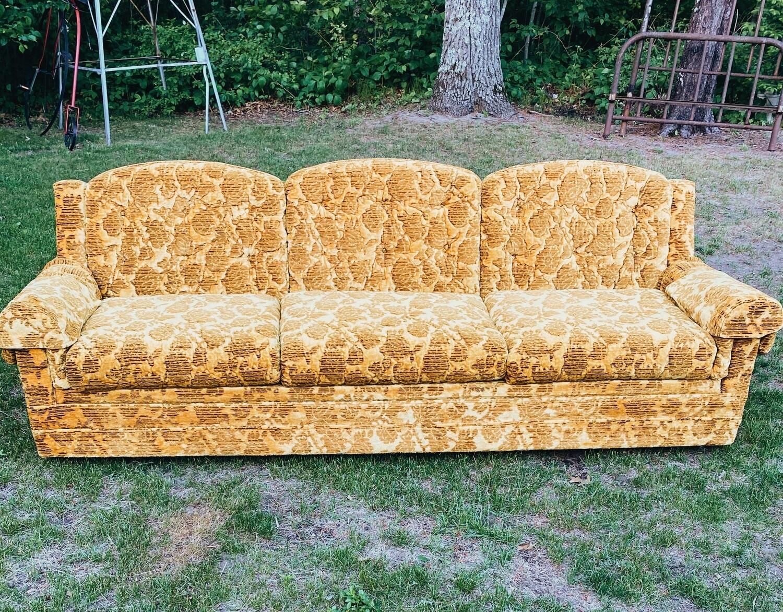 Retro Gold Couch