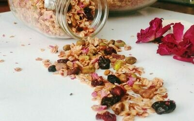 Rose Granola Mix ( Rose, Oats, Nuts, Seeds, Berries )