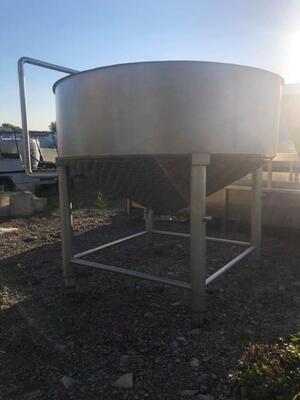 700 Gallon Tank - #2949