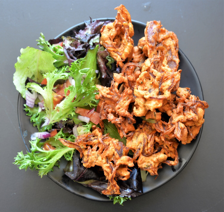 Kanda Bhajji & Salad