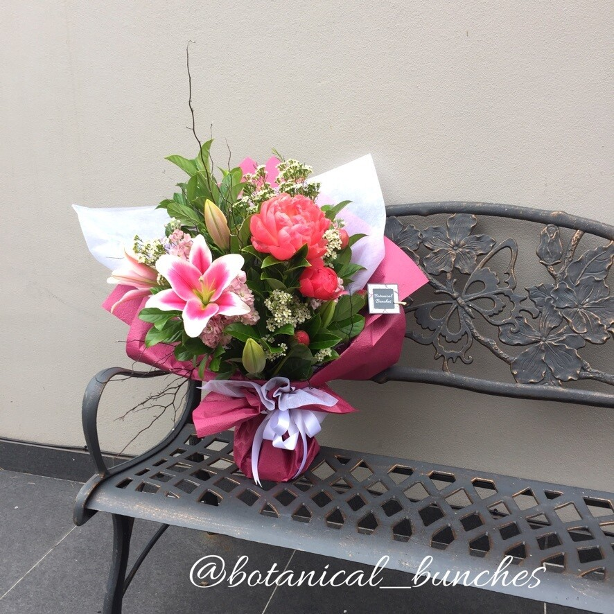 Lush & Luxe gift bouquet ($100 - $200)