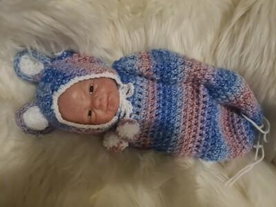Crochet bear cocoons