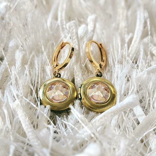 one Thing Lockets -Earrings