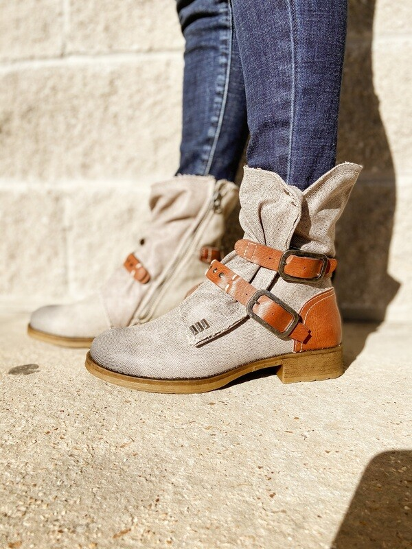 Tan Tycen Canvas Boots