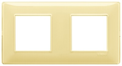 Накладка для 4 модулей (2+2) расстояние между центрами 71мм Reflex