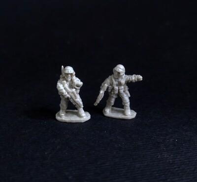 """Starship Troopers"" 15 мм. Commander and radio operator-  2 miniatures"