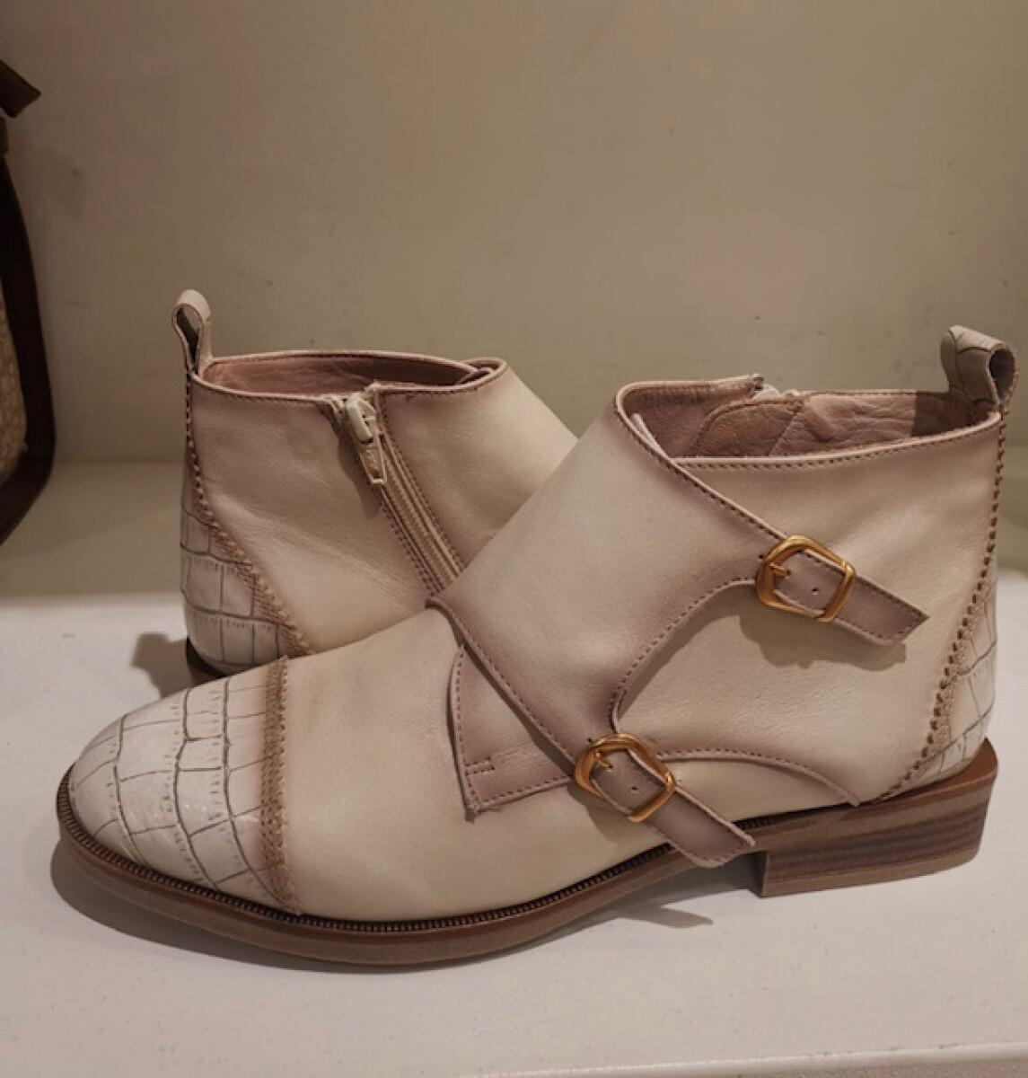 Hispanitas Boot Creme/powderpink