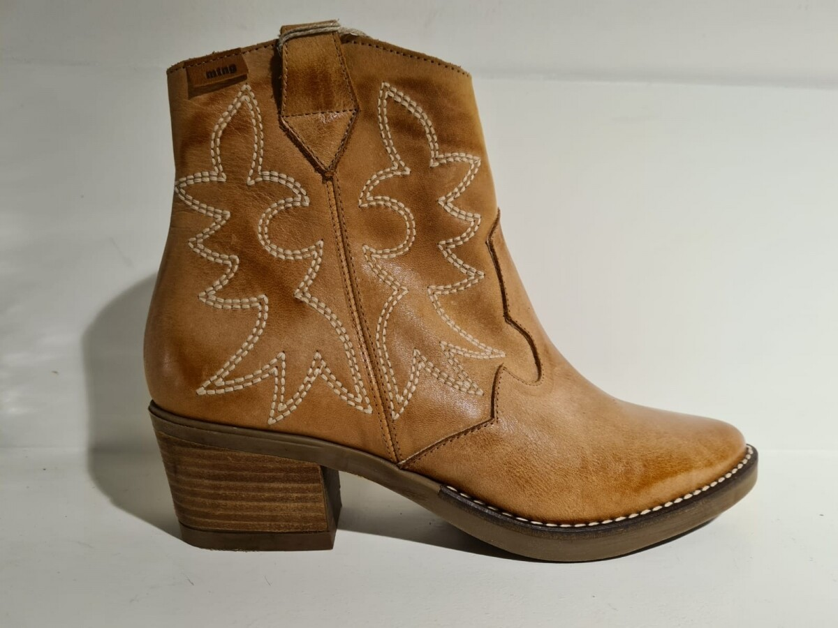 Western boot Camel