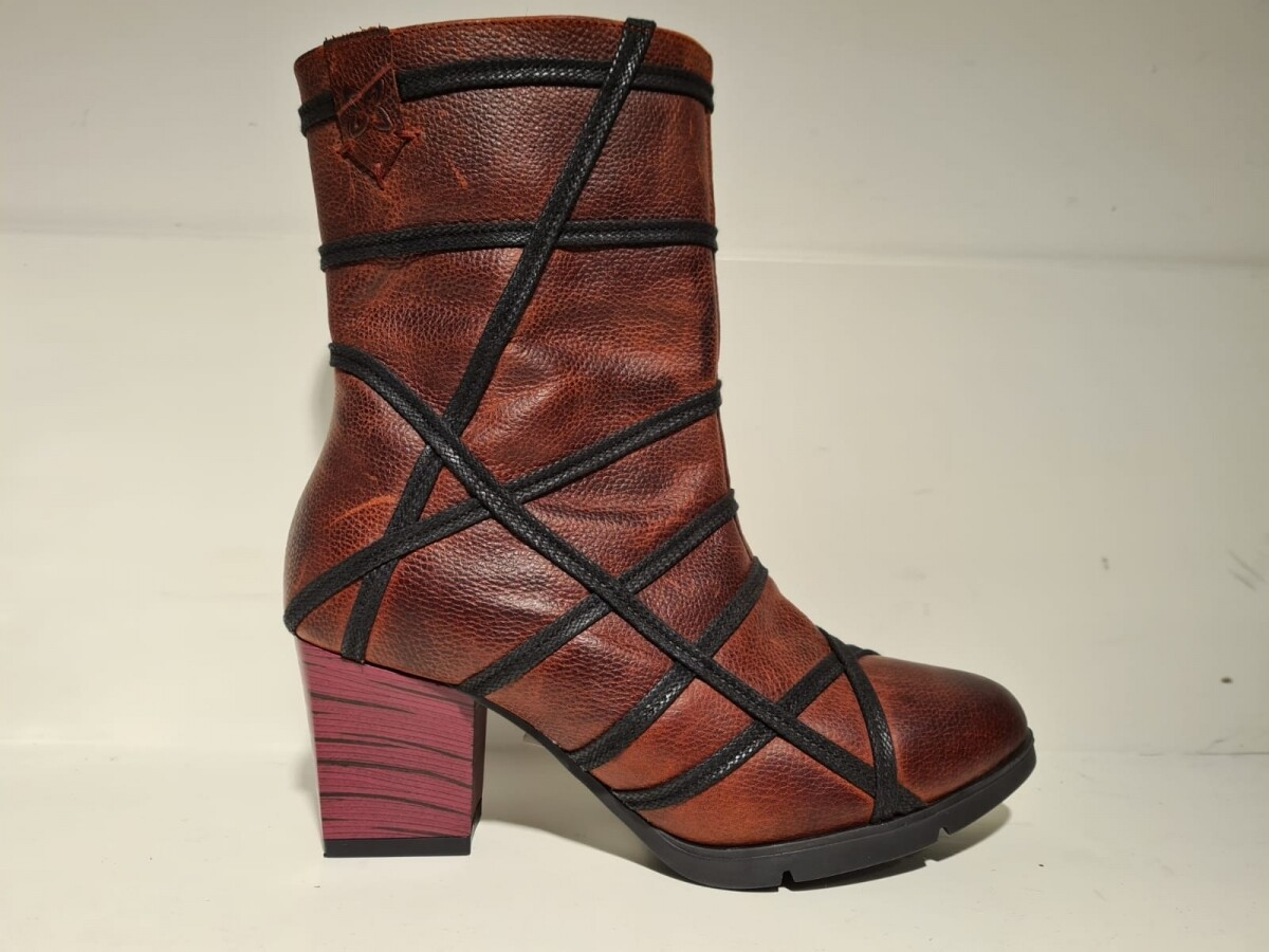 Maciejka boot bordeaux