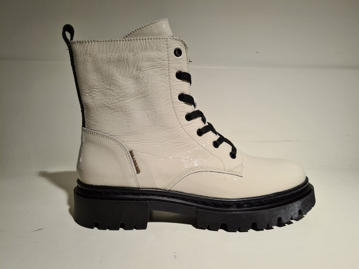Bullboxer Boot creme
