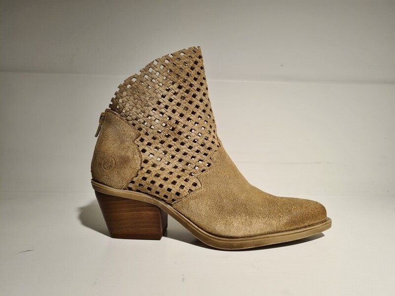 Casta Boot Western Leather