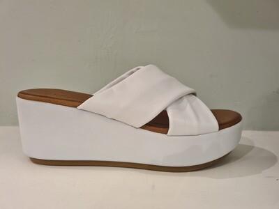 Inuovo Slip in White