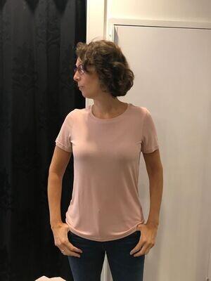 In Front Nina roze