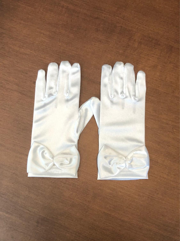White Communion Gloves w/ Bow
