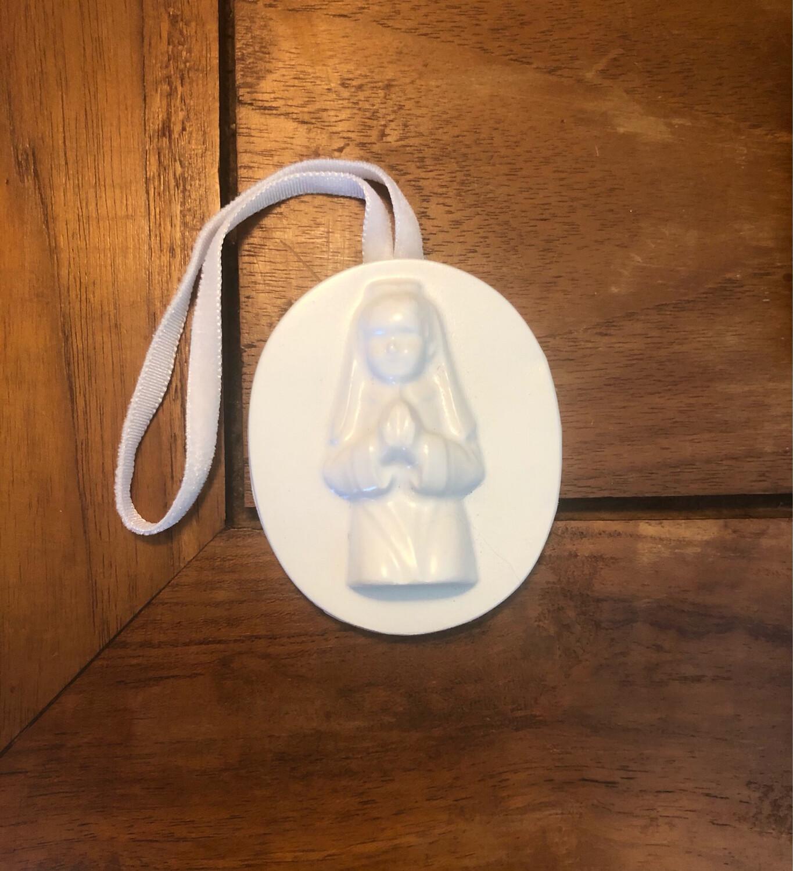 Small Communion Girl Wall Ornament