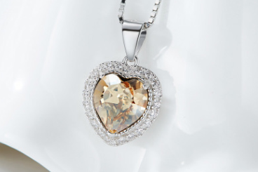 S925 Sterling Silver Austria Crystal 12 Birthstone Heart-shaped Pendant Necklace