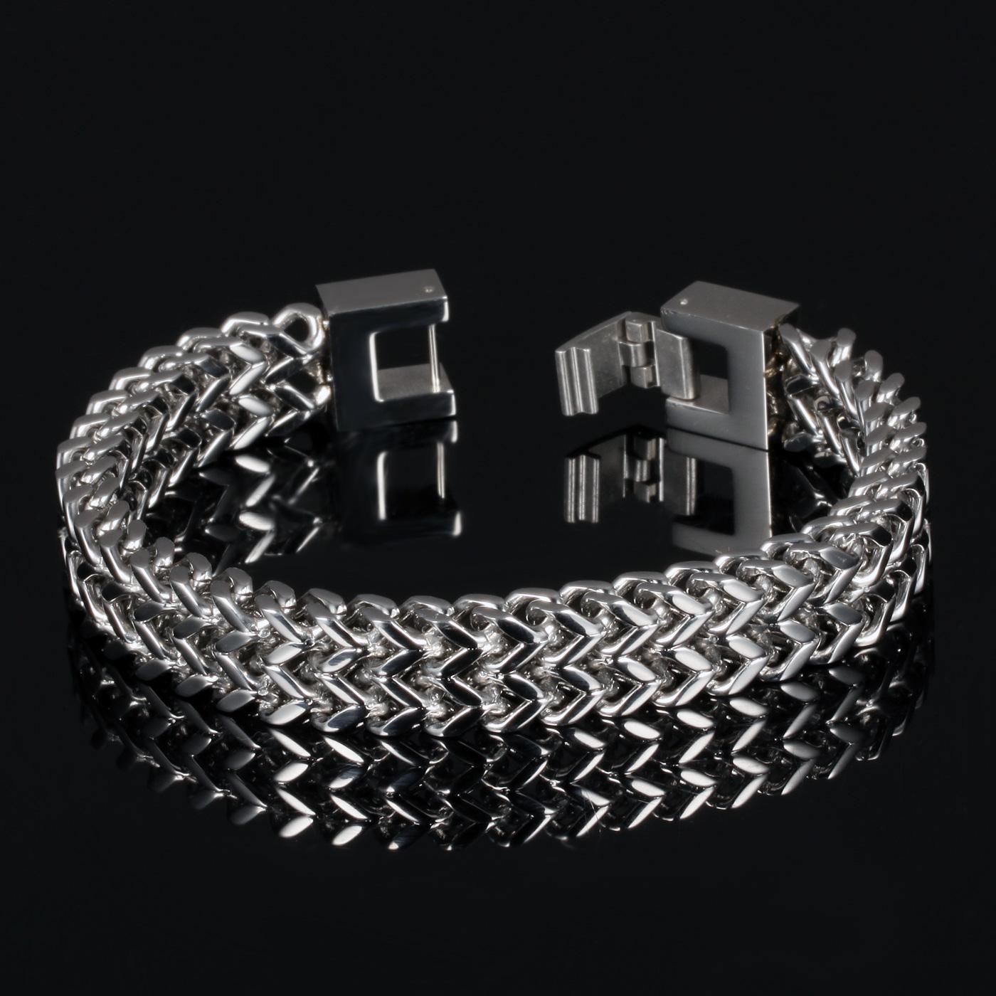 N790 Bracelets