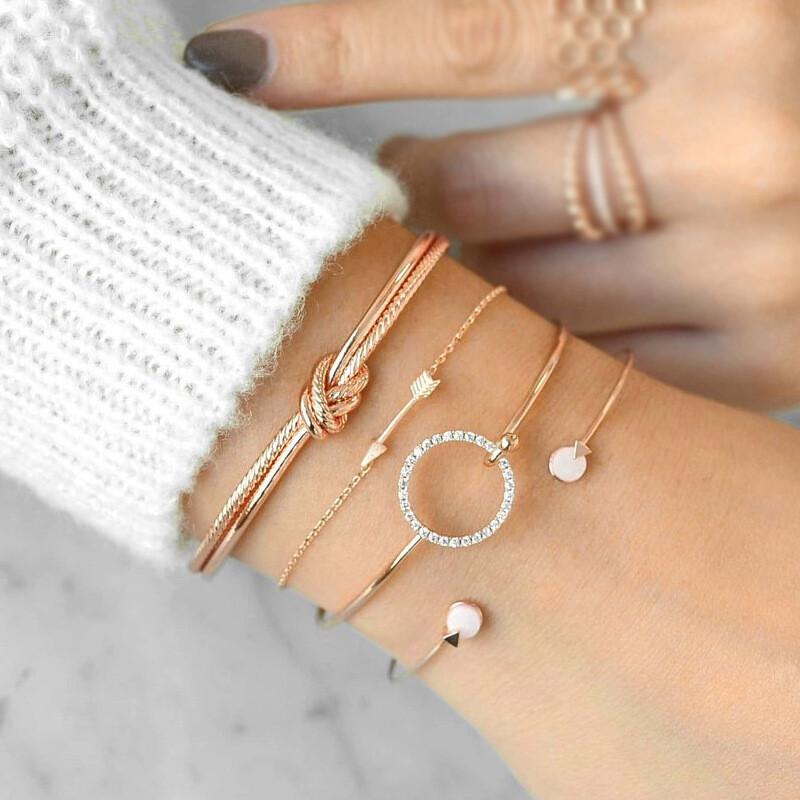 4 Pcs/ Set Classic Arrow Knot Round Crystal Gem Multilayer Adjustable Bracelet Set Women Fashion Party Jewelry Gift