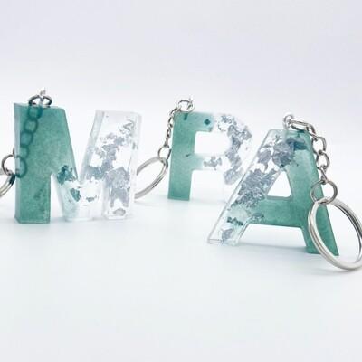 Porte-clefs lettre irisé
