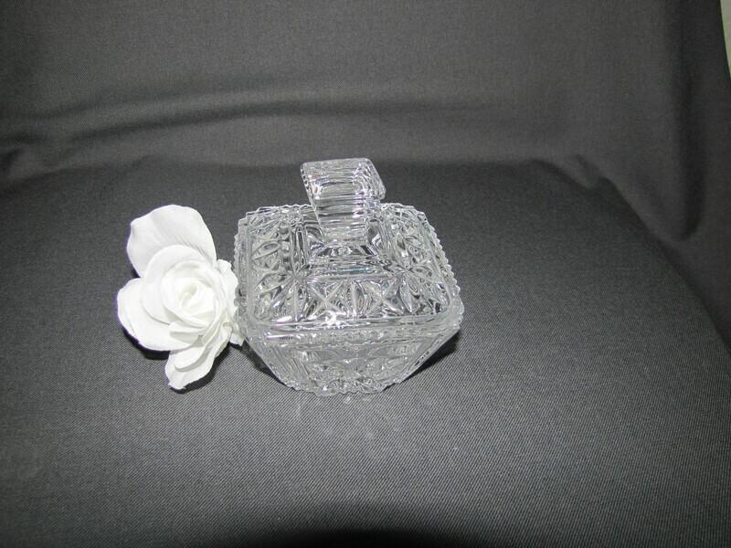 Sucrier en cristal taillé