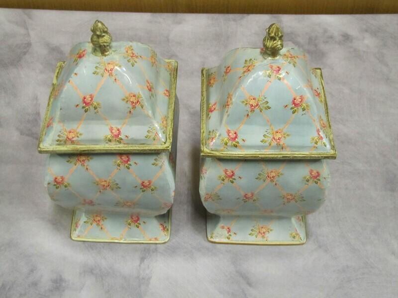 Pots avec couvercle tôle peinte relookés