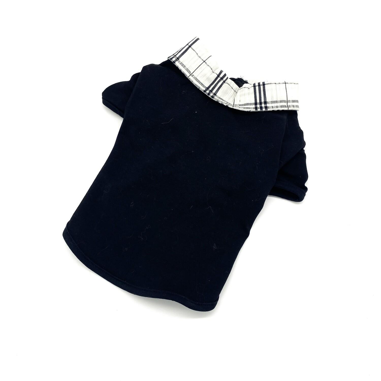 T-shirt noir col a carreaux