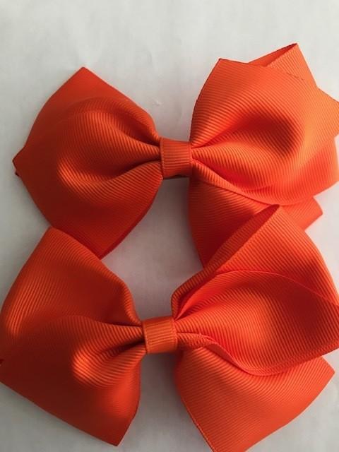 Medium: Orange Single Bow
