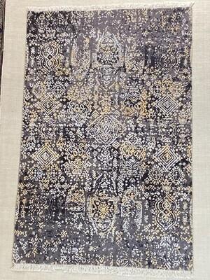Tibet Design laine et soie. 1250fr