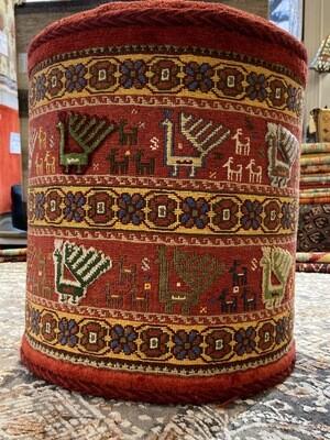 Pouf Nimbaf( moitié noué et moitié brodé) Iran. 1100fr  soldé 550fr