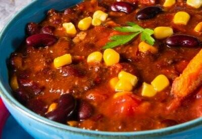 Chili con Carne mit Baguettebrot