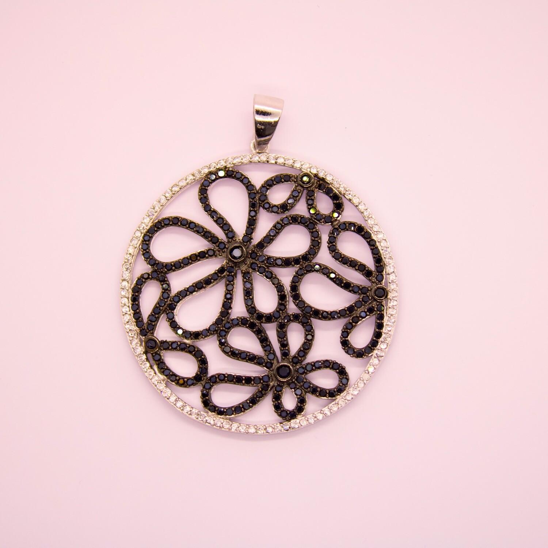 Ciondolo in argento con zirconi bianchi e neri