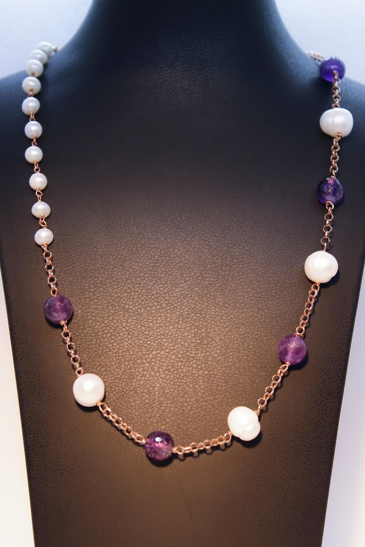 Collana in argento rosè con perle e cristalli viola