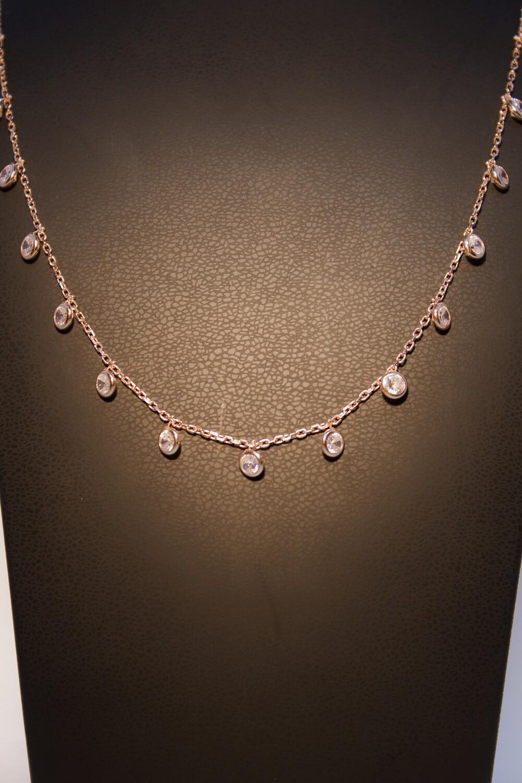 Collana in argento rosè con zirconi
